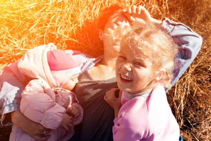 一个年轻女性母亲 库存图片