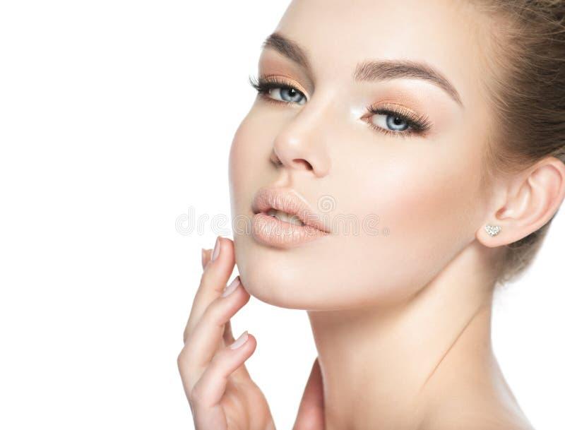 一个年轻白人妇女的脸蛋漂亮 库存图片