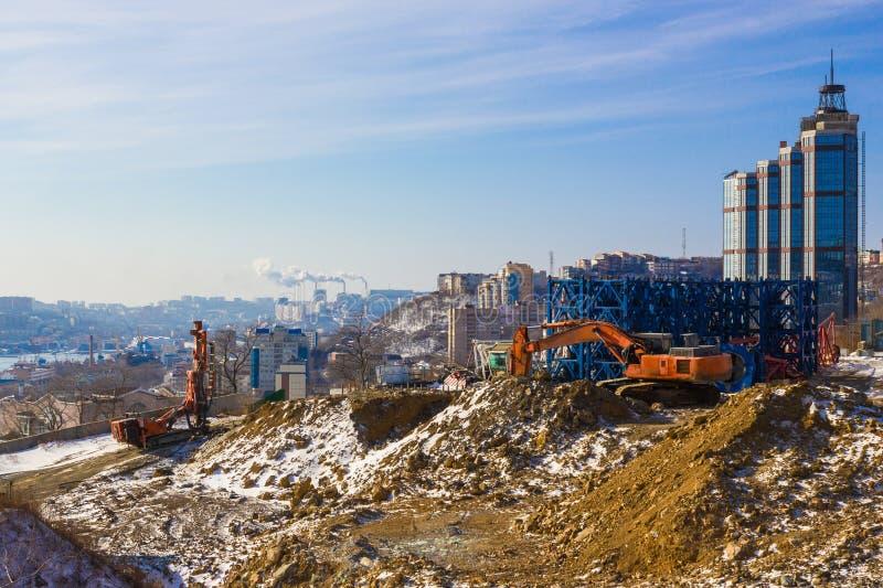 一个建筑工地在一个大城市 免版税库存图片
