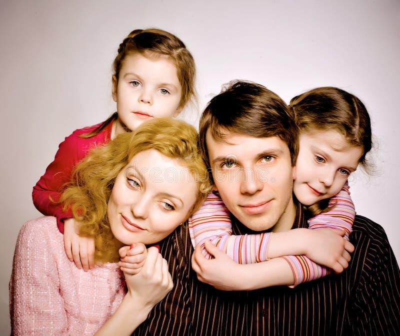 一个愉快的家庭的画象 免版税库存照片