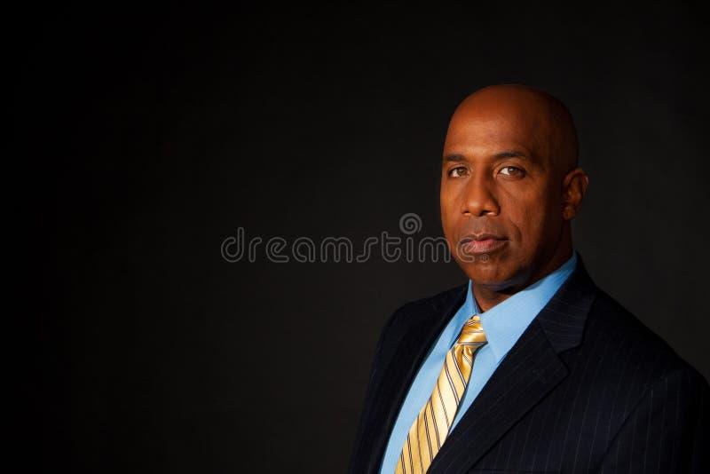 一个成熟非裔美国人的商人的画象 免版税图库摄影