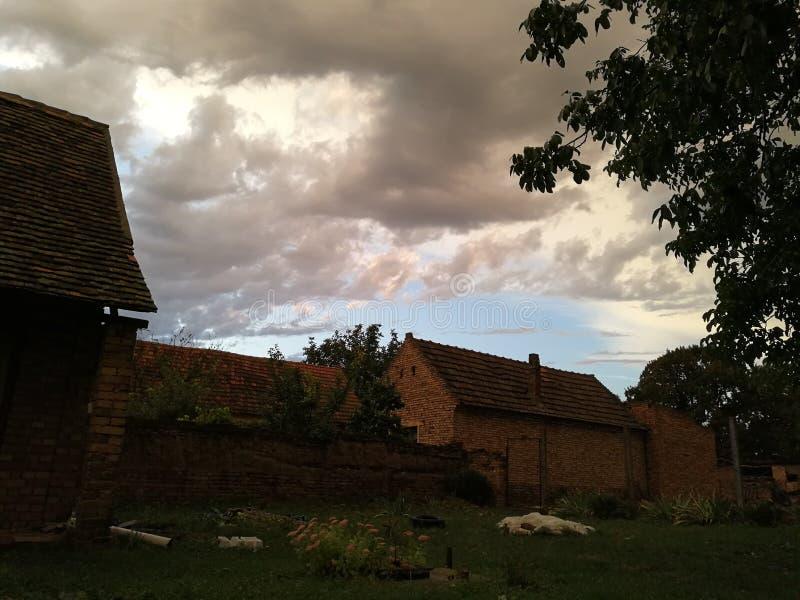 一个房子在村庄 图库摄影