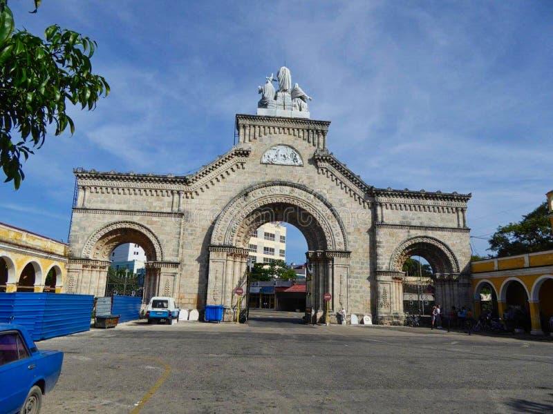 一个拱道在古巴的  免版税图库摄影