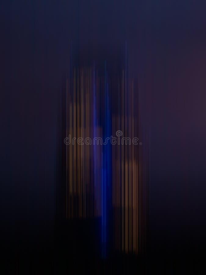 一个摩天大楼的一个艺术性的印象紫色的 免版税库存图片