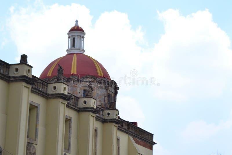 一个教会的圆顶在Gauadalajara墨西哥 免版税库存图片