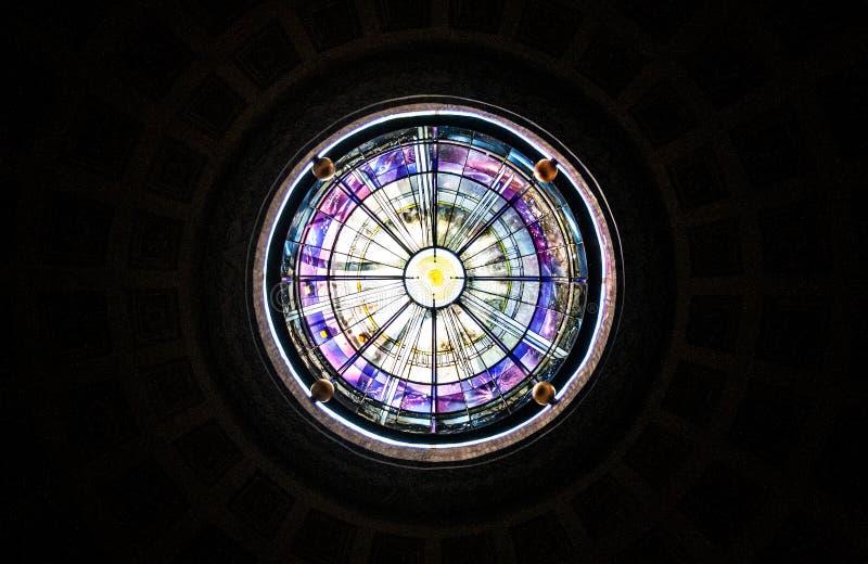 一个教会的天窗在罗马 库存图片