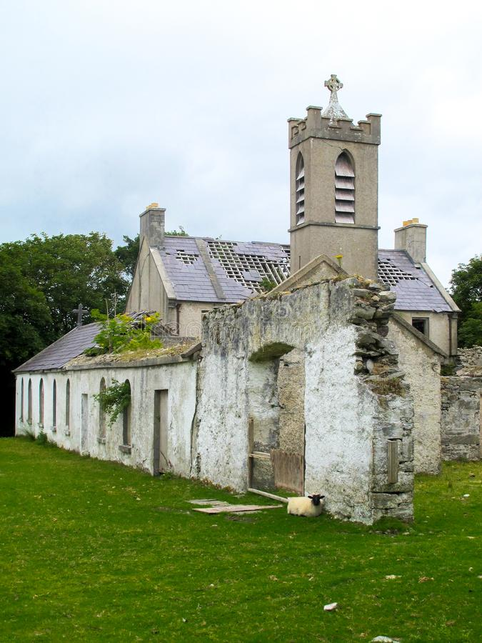 一个方济会男修道院的废墟在Bunnacurry,阿基尔岛, Co 马约角,爱尔兰 图库摄影