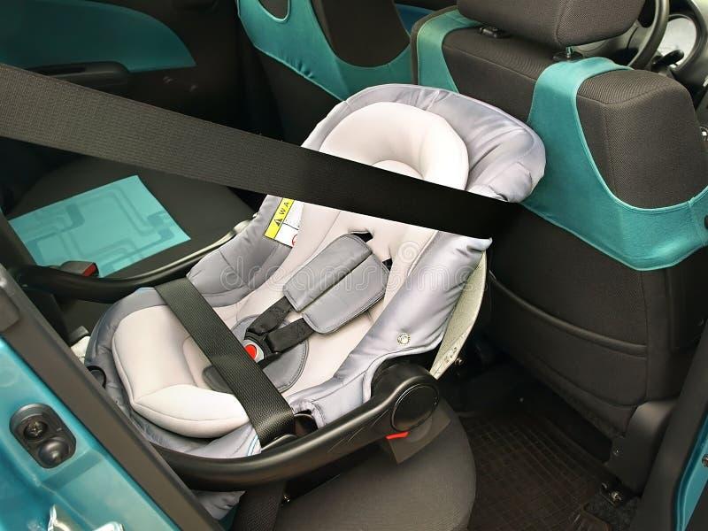 一个朝后的婴儿位子 免版税库存图片