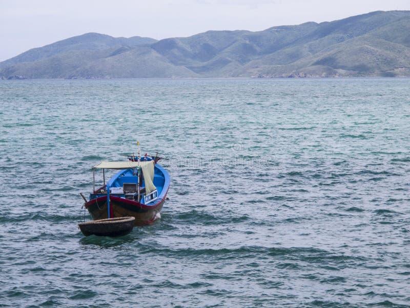 一个木渔船 库存图片