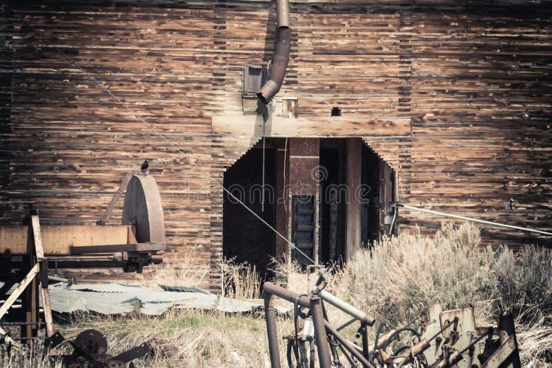 一个木谷物仓库的建筑细节 库存图片