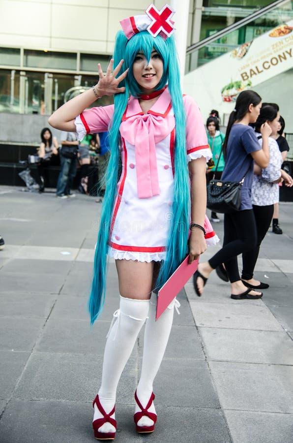 一个未认出的日本芳香树脂cosplay姿势在日本Festa在曼谷2013年 免版税图库摄影