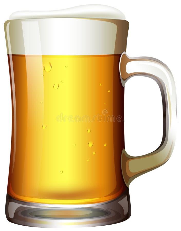 一个杯子在白色背景的啤酒 皇族释放例证