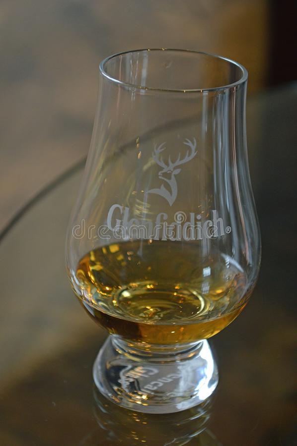 一个极小微量Glenfiddich 免版税库存照片
