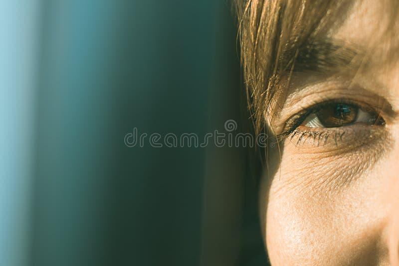 一个正常女孩的眼睛 免版税库存照片