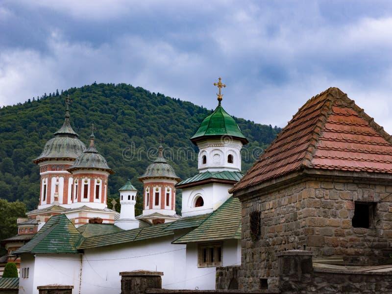 一个正统修道院在特兰西瓦尼亚 免版税库存照片