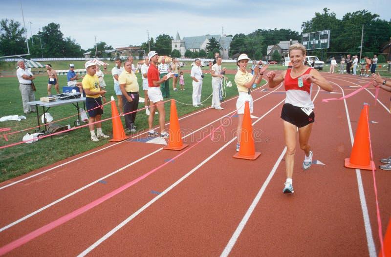一个母赛跑者 库存照片
