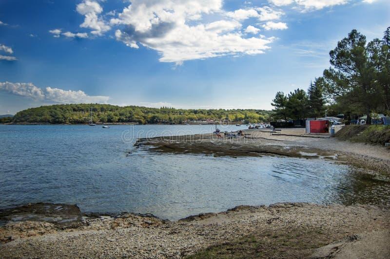 一个海滩的看法在Porec 免版税库存照片