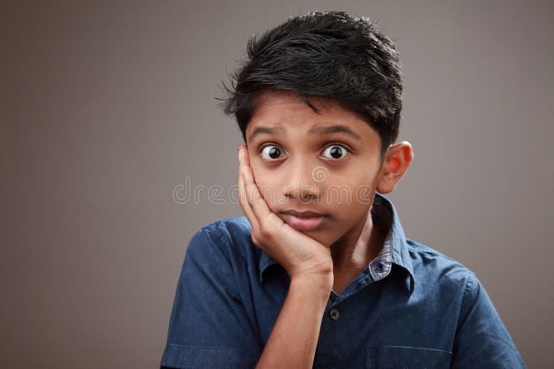 一个激动的年轻男孩 免版税库存图片
