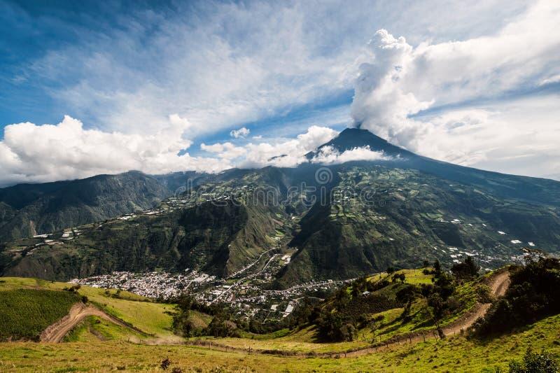 一个火山通古拉瓦火山的爆发在厄瓜多尔 库存图片