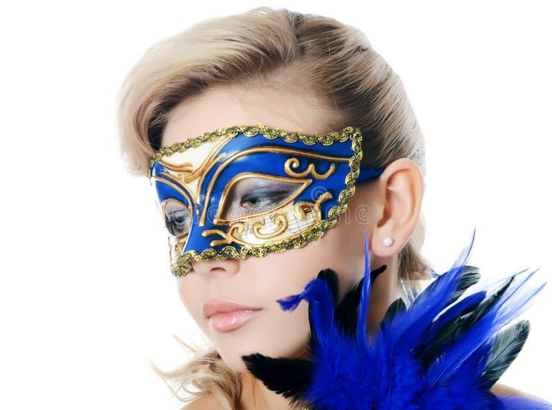 狂欢节面具的美丽的女孩 免版税库存图片