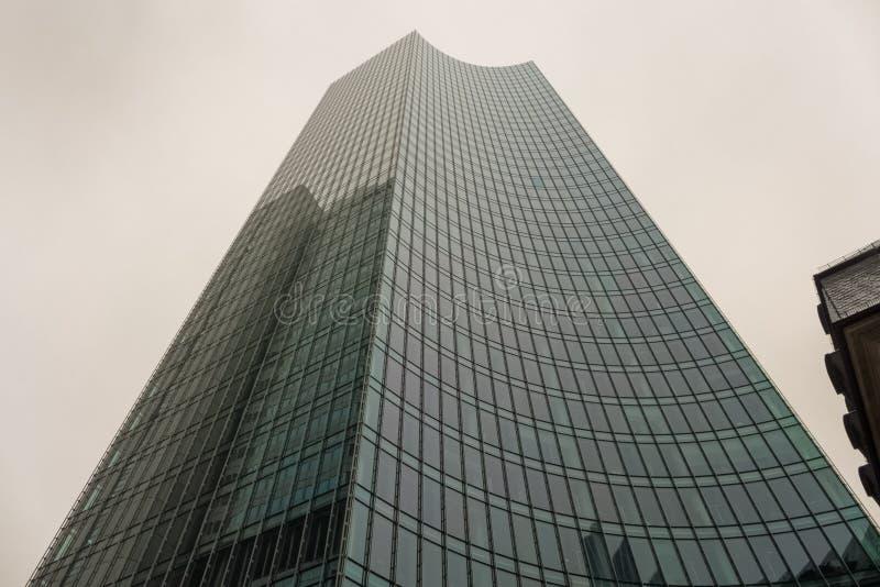 一个现代摩天大楼在法兰克福 库存照片