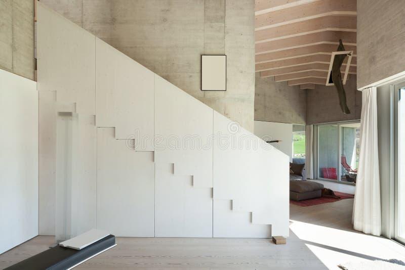 一个现代顶楼的内部 库存照片