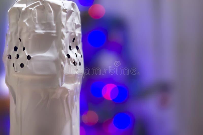 一个瓶的被塞住的脖子香槟特写镜头 免版税库存照片