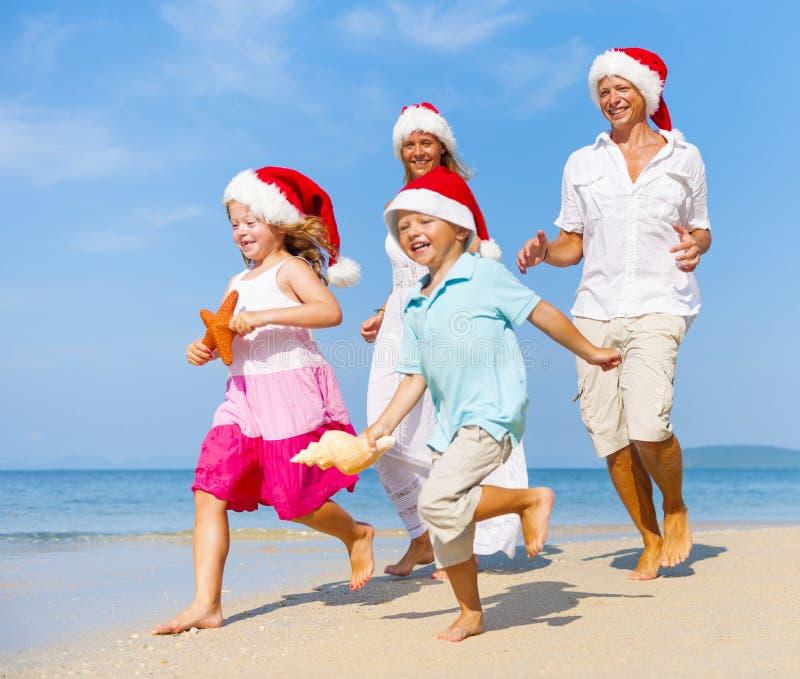 一个白种人家庭享受暑假 库存图片