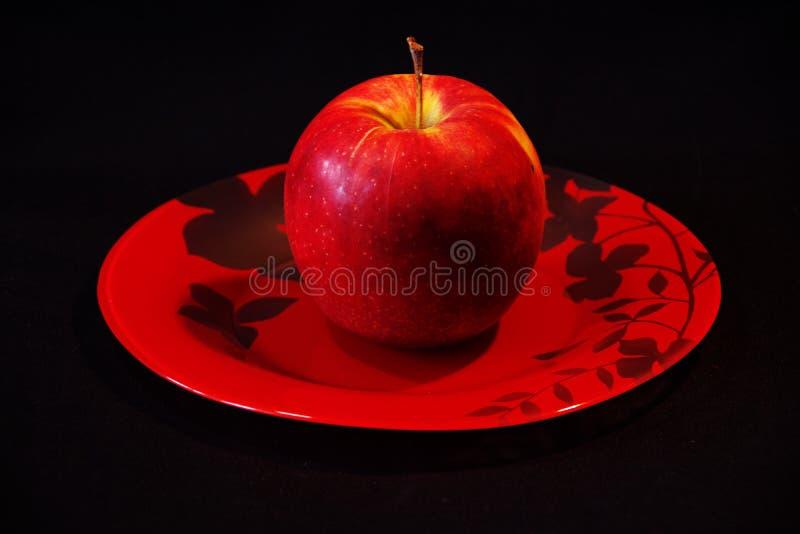一个红色苹果的照片 库存照片