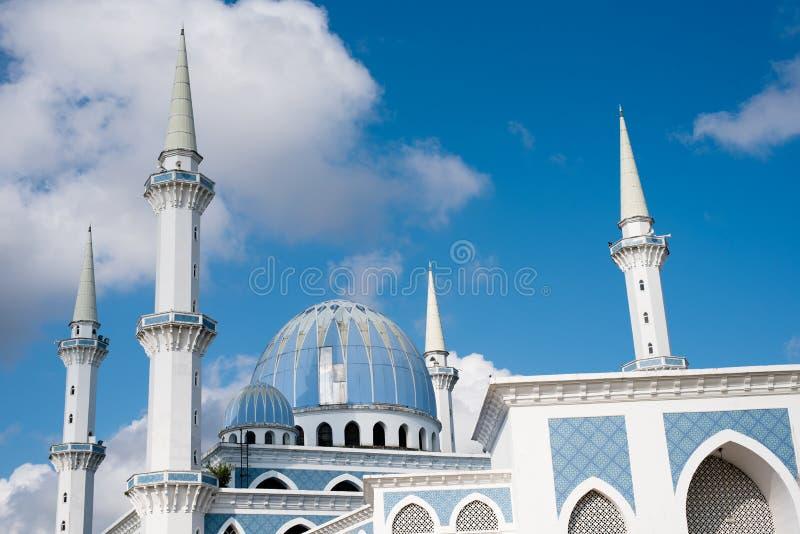 一个美丽的苏丹艾哈迈德伊朗王公开清真寺的看法有蓝色圆顶的 免版税图库摄影