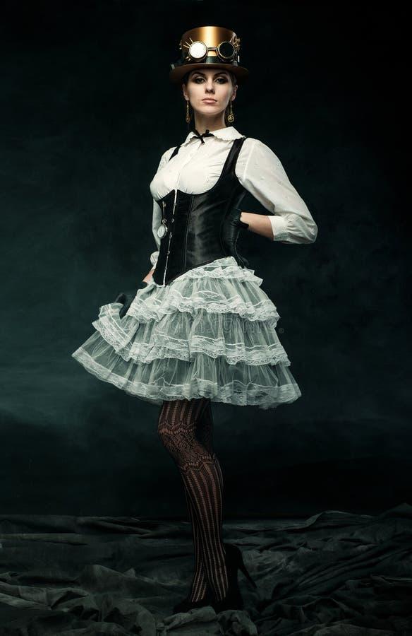 一个美丽的steampunk女孩的画象 免版税库存照片
