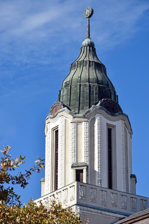 一个老大厦的塔在德布勒森,匈牙利 免版税图库摄影
