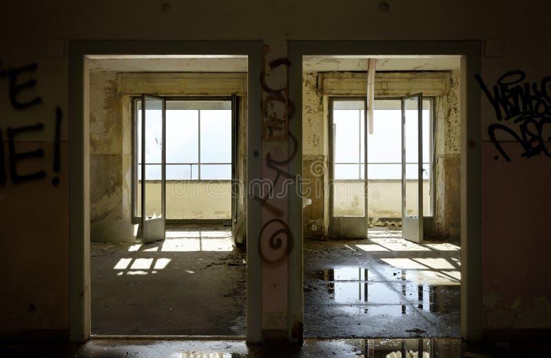 一个老房子的内部 库存照片