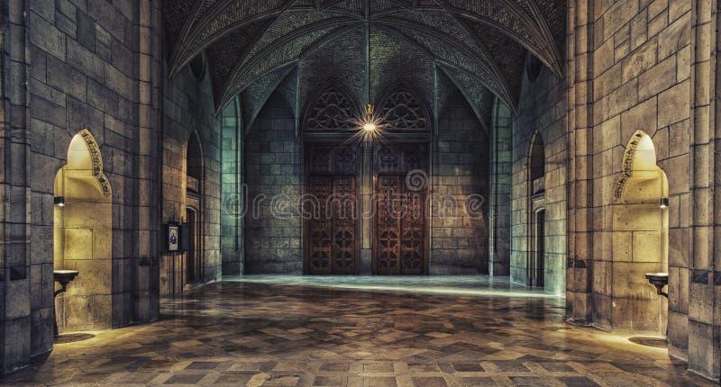一个老石豪宅和轻发光的内部与木half-open门的通过开头 免版税图库摄影