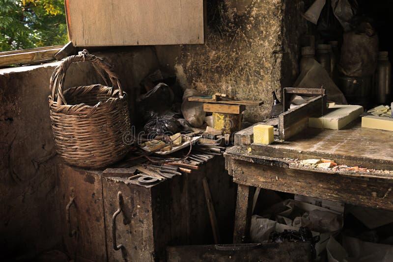 一个老肥皂工作室的内部的黎波里,黎巴嫩 库存照片