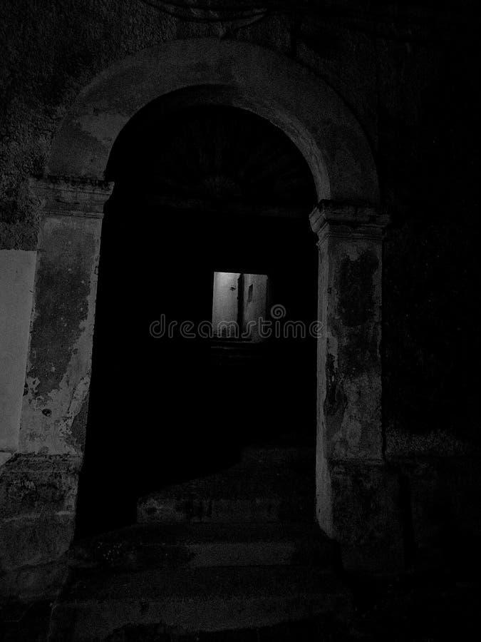 一个老门在古镇 免版税库存图片
