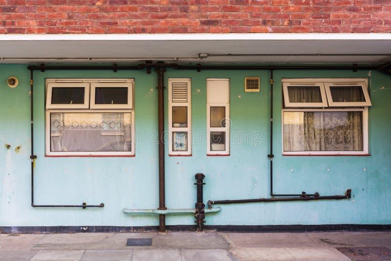 一个老给津贴的住房建造计划的大厦在伦敦 图库摄影