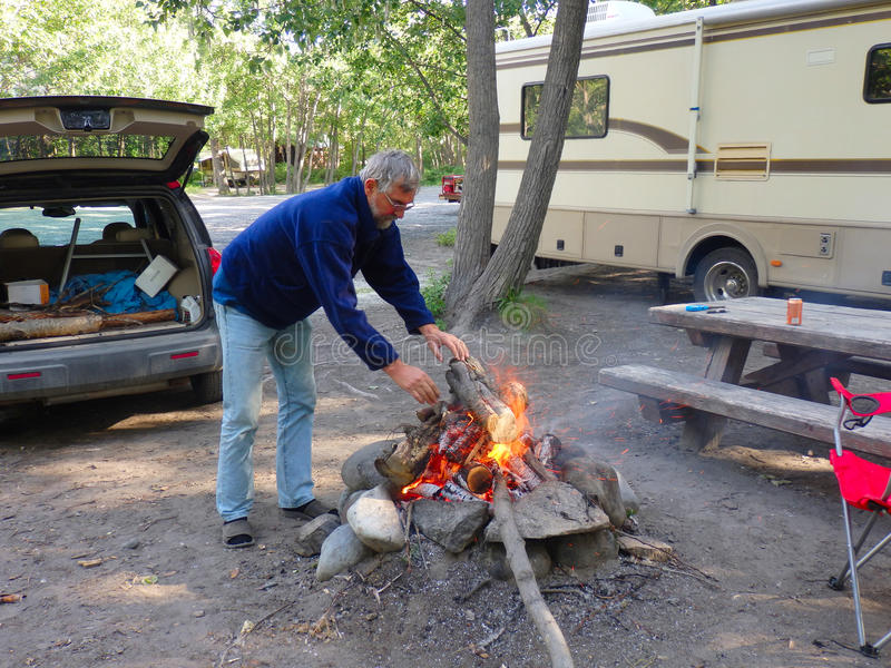 一个营火在阿拉斯加 免版税库存照片