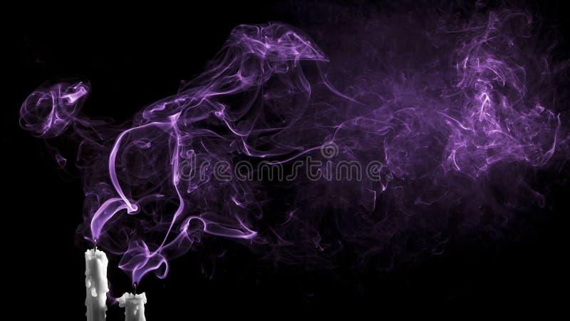 一个蜡烛的紫色发烟 免版税库存图片