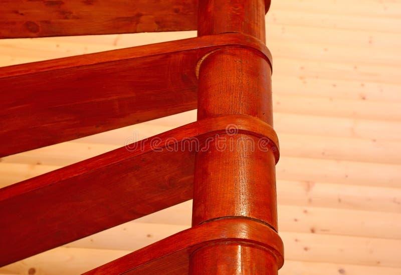 一个螺旋木楼梯的片段 图库摄影