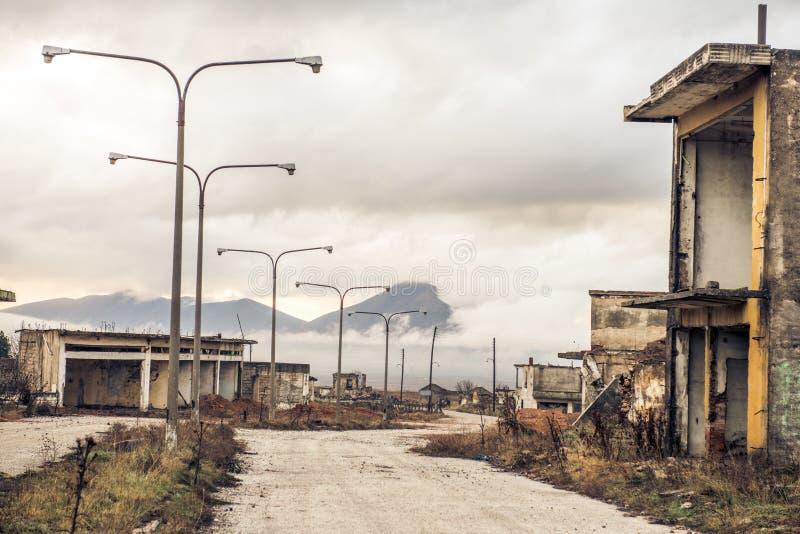 一个被放弃的镇在Ptolemaida希腊 免版税图库摄影