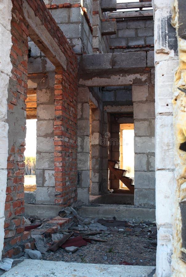 一个被破坏的房子的内部 库存照片