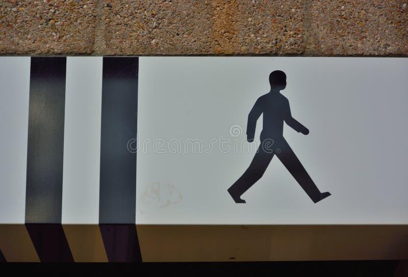 一个走的人概念的象 免版税库存照片