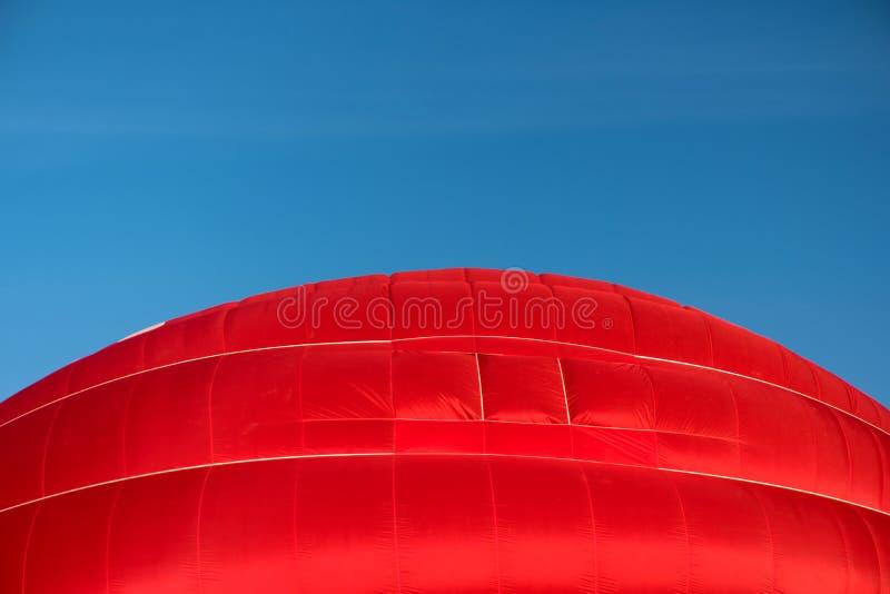 一个起动的炽热气球 库存照片