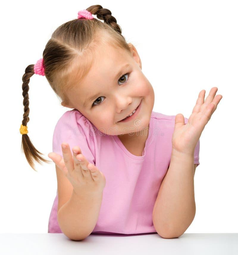 一个逗人喜爱的小女孩的纵向 免版税库存照片