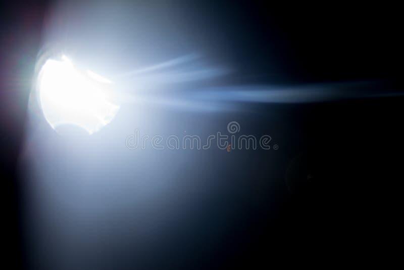 一个遥远的抽象星的闪光 抽象太阳火光 透镜火光是受数字更正支配 免版税图库摄影