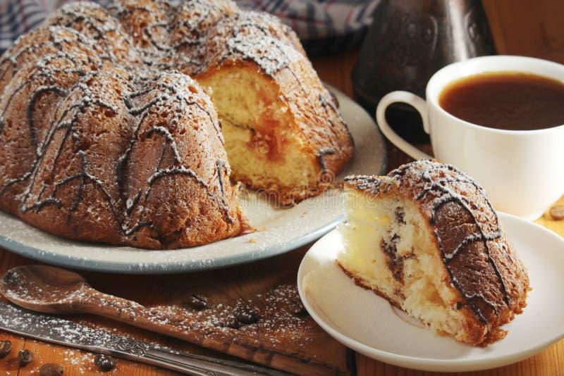 一个饼干蛋糕用巧克力 免版税库存图片