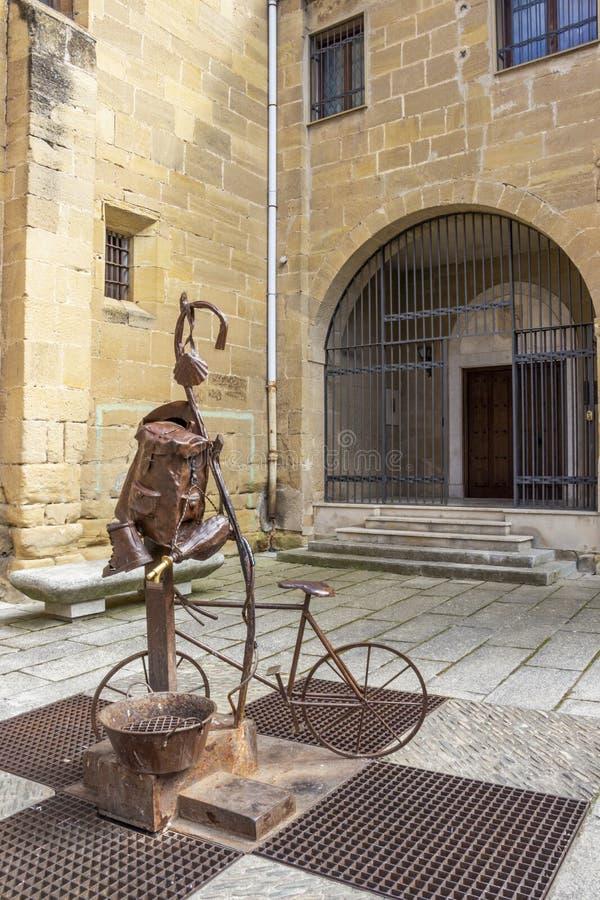 一个香客喷泉在圣多明各-德拉卡尔萨达,拉里奥哈,西班牙 库存照片