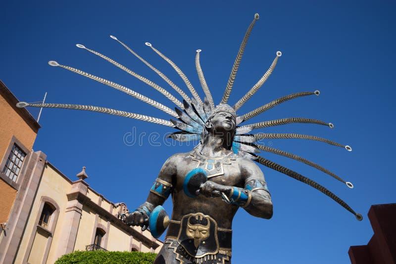一个otomi战士的雕象在墨西哥 图库摄影