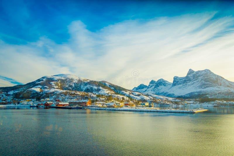 一些大厦美好的室外看法在海岸的在Hurtigruten远航 库存图片